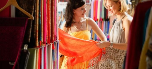 shopping online and shopping at store essay One is shopping online, another is shopping at the real shop as a matter fact, shopping online is a new way for people to go shopping they want to relax and rest when we shopping online.